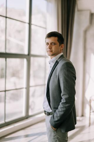 юрист из курска никитин олег. красивое фото юриста